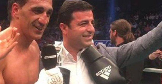 Demirtaş'ın da karşılaşmasını izlediği Boksör İsmail Özen şampiyon oldu