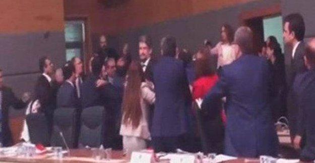 Dokunulmazlık görüşmelerinde HDP'lilere saldırı