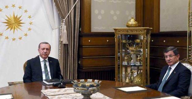 Erdoğan-Davutoğlu görüşmesi sona erdi: 100 dakika görüştüler