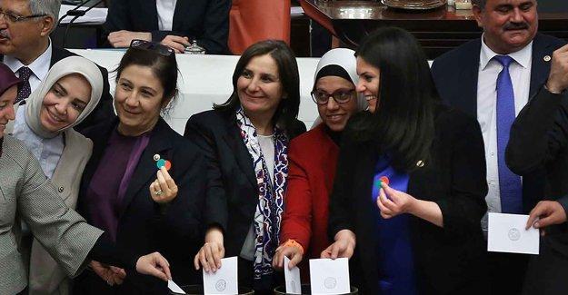 Hasan Cemal: Türkiye cehennem kuyusuna yuvarlanıyor