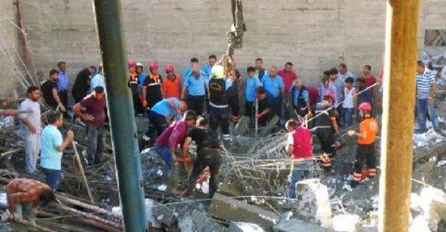 Havuz inşaatı çöktü: 1 işçi hayatını kaybetti