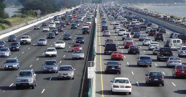 İstanbul'da bu akşam trafiğe kapalı yollar