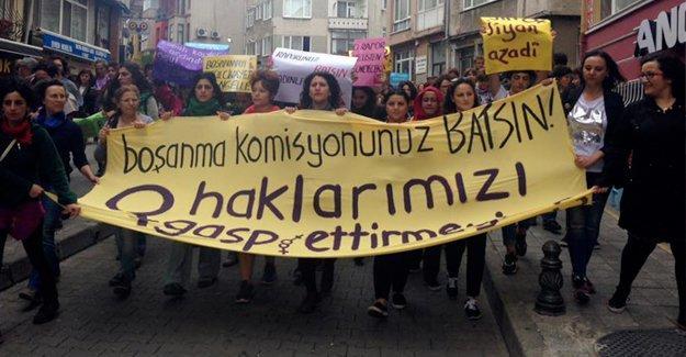 Kadınlar sokaktaydı: Boşanmayı değil, tecavüzü engelle!