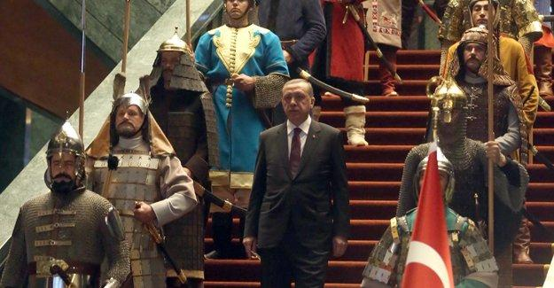 """Karasu'dan Erdoğan'ın """"bizim kültürümüzde başkanlık vardır"""" sözlerine yanıt"""