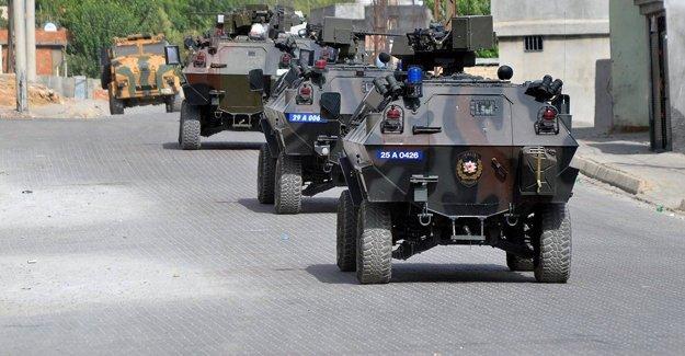 Şemdinli'de 5 asker hayatını kaybetti