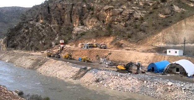 Silvan'da baraj şantiyesine silahlı saldırı