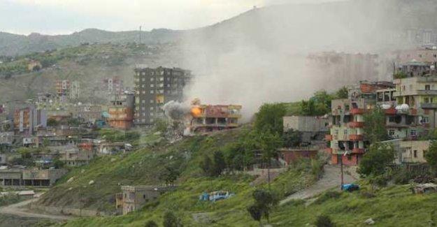 Şırnak'ta yasağın 58. günü: Şiddetli çatışmalar sürüyor, evler yıkılıyor, helikopter hareketliliği var