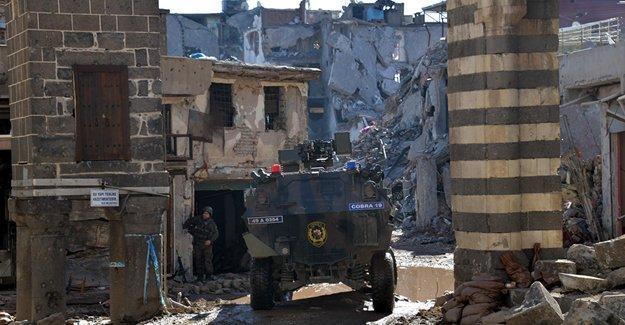 Sur'un 14 sokağında 'yasak' kalkıyor
