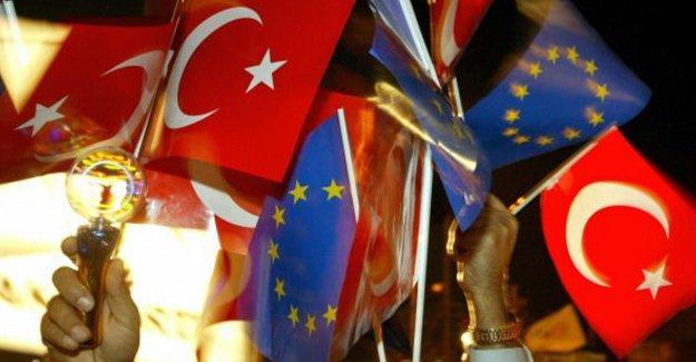 Times: Türkiye'nin AB üyelik süreci bitirilmeli