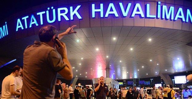 AKP'lilerden tepki çeken Atatürk Havalimanı saldırısı tweetleri