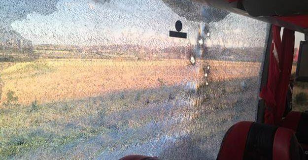 Ankara'dan Diyarbakır'a gitmekte olan yolcu otobüsüne silahlı saldırı