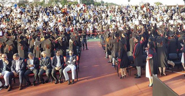 Bilgi'de rektör protestosu: 'Baskıya karşı duramayanla ilişiğimiz kesilmiştir'
