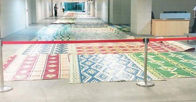 Çağlayan Adliyesi koridorları cuma öncesi camiye çevrildi