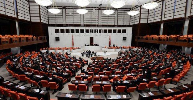 Danıştay Kanunu Adalet Komisyonu'nda kabul edildi