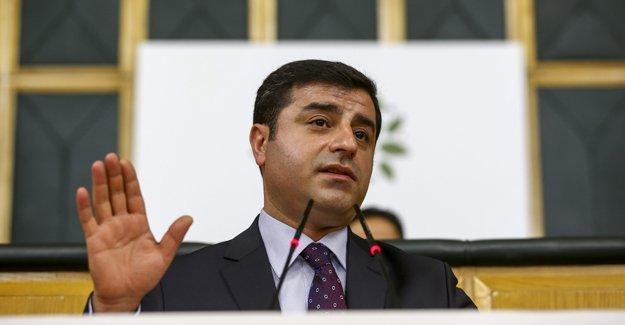 Demirtaş, 'diploma' tartışmalarını YSK'ya taşıdı