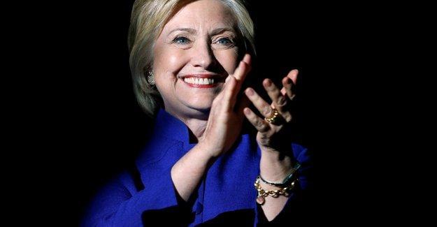 Hillary Clinton zaferini ilan etti