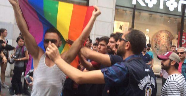 LGBTİ+ Onur Yürüyüşü'ne polis saldırısı: Gözaltılar var