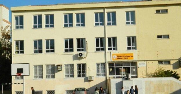Mehmet Seyfi Eraltay Anadolu Lisesi öğrencilerinden bildiri