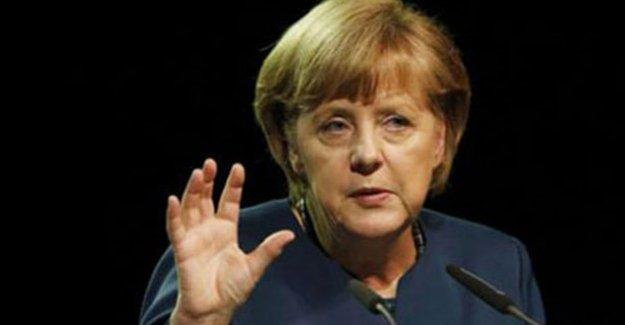 Almanya Başbakanı Merkel'den Erdoğan'a 'Cem Özdemir' yanıtı