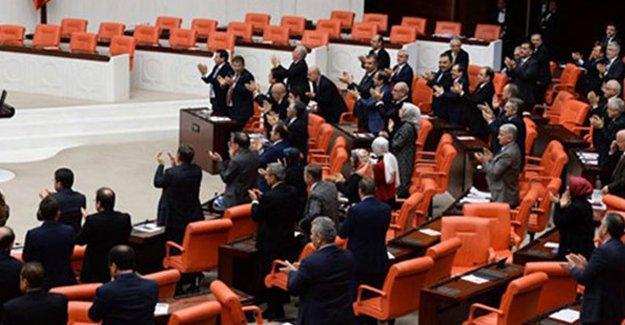 Muhalefetin 'havalimanı saldırısı araştırılsın' teklifini reddeden AKP'nin gerekçesi