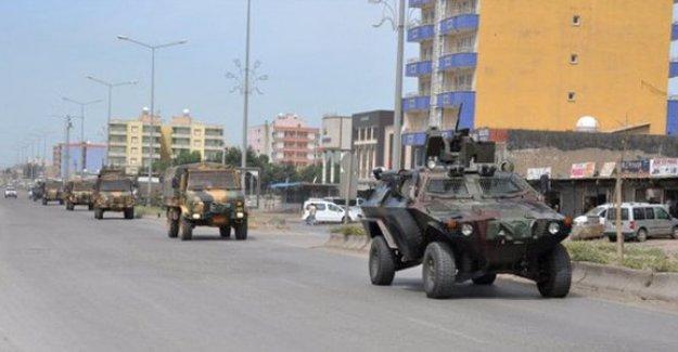 Şemdinli'de patlama: 3 asker yaralandı