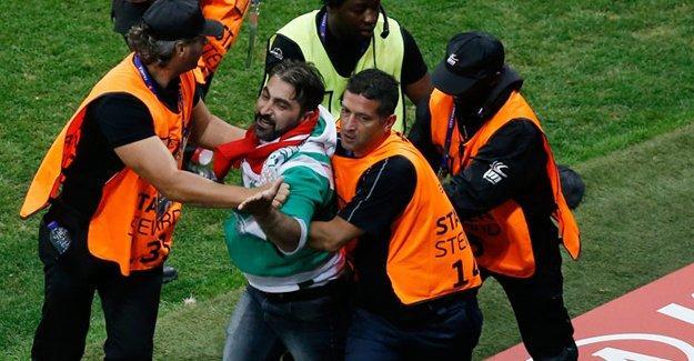 Türkiye- İspanya maçında Fatih Terim ve Arda Turan'a tepki
