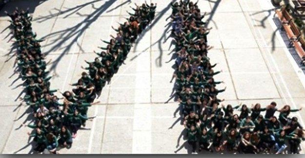 Vefa Lisesi öğrencileri: Karanlığa sırtımızı dönmeye hazırız!