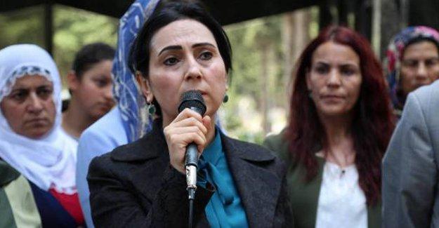 """""""Erdoğan gibi çeyrek akılların tamamlanması kadınların varlığı ile mümkün"""""""
