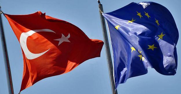 AB'den Türkiye'ye anayasal düzen çağrısı