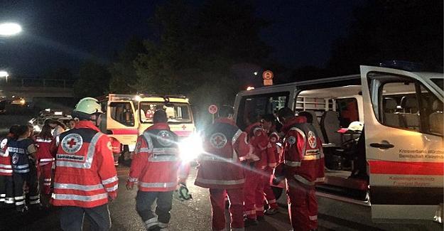 Almanya'da baltalı saldırı: 15 yaralı, saldırgan öldürüldü