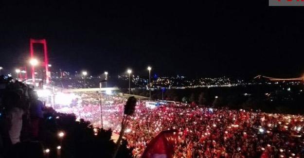 Boğaziçi Köprüsü'nde darbe protestosu