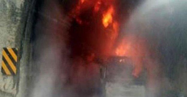 Bolu'da TIR tünel girişine çarptı: 5 ölü