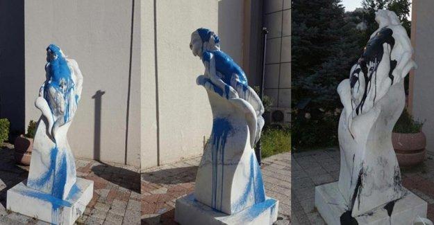 Bursa'da 'Özgür Olmak' heykeline ikinci saldırı