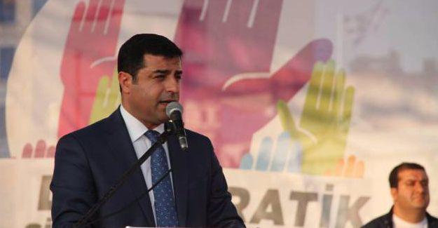 Darbeye karşı mitingde konuşan Demirtaş'tan kritik süreçten çıkış önerileri