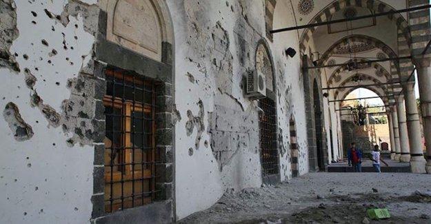 """""""Doğal ve kültürel varlıklar, yakılıp yıkılmasını görmezden gelen UNESCO ile korunamaz"""""""