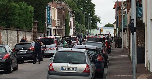 Fransa'da rehine krizi kanlı bitti: 3 ölü