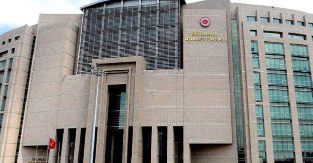 Gözaltına alınan gazetecilerden 21'i adliyede
