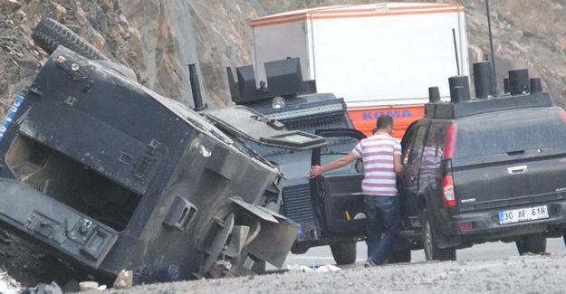 Hakkari'de zırhlı araç takla attı: 7 polis yaralı