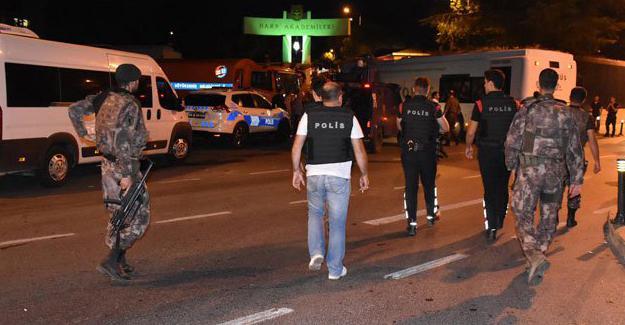 Harp Akademileri Lojmanlarına operasyon: 40 gözaltı