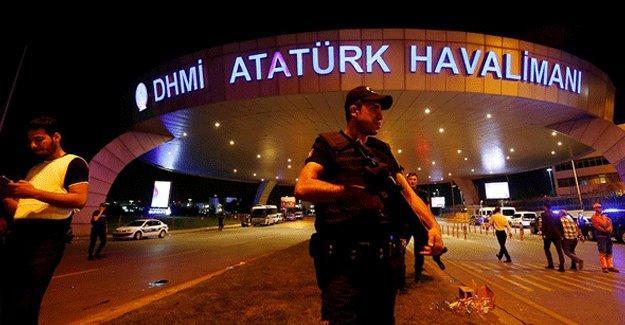 Havalimanı saldırısıyla ilgili 6 kişi adliyeye sevk edildi