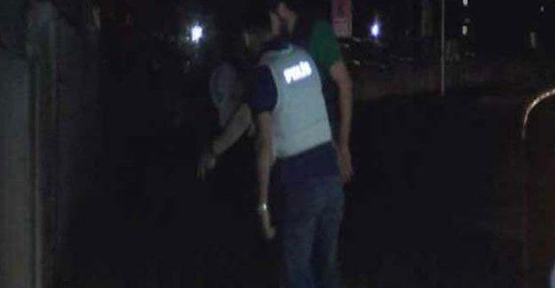 İstanbul'da askeri kışlaya bombalı saldırı