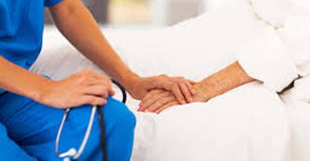 Kapatılan özel hastanelerdeki hastalar, kamu hastanelerine naklediliyor