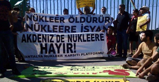 Mersin Akkuyu'da eylem: Nükleere inat yaşasın hayat