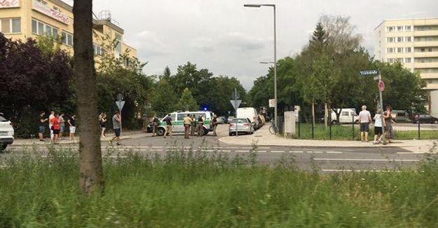 Münih'te silahlı saldırı: En az 9 kişi hayatını kaybetti