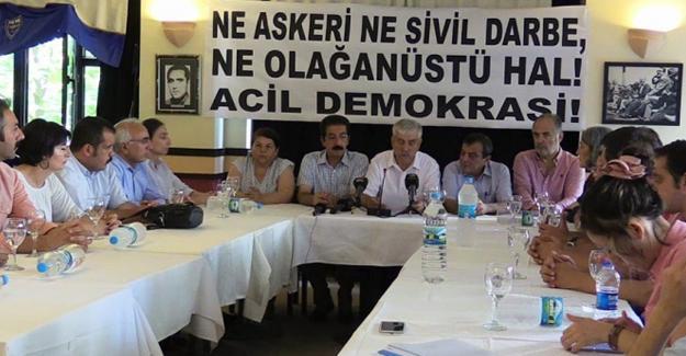 """Ne askeri ne sivil darbe, acil demokrasi!"""