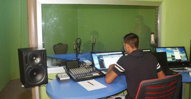 Romanlar Mersin'de radyo açtı