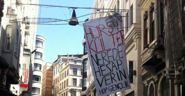 """Taksim'de  """"Hurşit Külter nerede?"""" pankartı açıldı"""