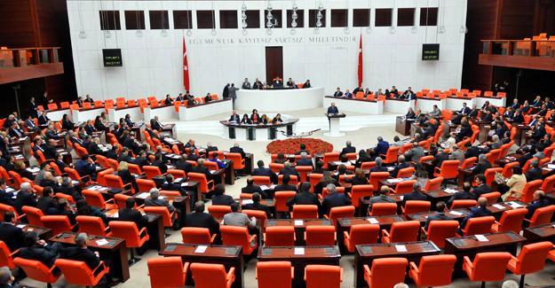 AKP, rektör atamalarıyla ilgili önergesini çekti