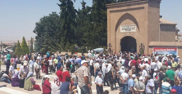 Aleviler'den, Hacı Bektaş Veli Dergahı'nın müze olarak kalmasına tepki