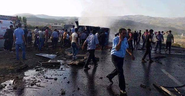 Bingöl'de bombalı saldırı: 7 polis hayatını kaybetti